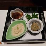 西村屋 和味旬彩 - 先付け(かにみそ、湯葉、他)