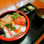 丼丸 みさ - 料理写真:トロトロ丼