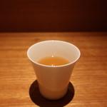 ヒトシナヤ - 食前に供される出汁
