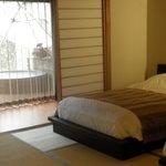 月の花 梟 - 寝室からの露天風呂