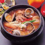 韓一館 - 海鮮味チゲ