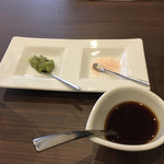 ステーキ倶楽部 BECO - 薬味、ソース