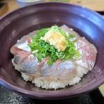 いけすや - 料理写真:活あじ丼¥880