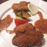 72116375 - 茨城県産ローズポークと美明豚のフィレカツ食べ比べの1皿