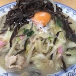 井手ちゃんぽん - 料理写真:特製ちゃんぽんの並。キクラゲをかきあげ、野菜ドームを露呈させた図