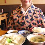 好吃餃子 - 焼き餃子もありますが、水餃子定食にしました。680円。白ご飯・スープ・漬物が付いてます。