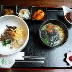 韓料理夢回廊 - 料理写真:ランチ ビビンバとトックのセット 1260円