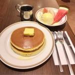 シビタス - フルーツホットケーキ 788円(税込)