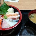 72121310 - 築地 魚一 西葛西店 ランチ 海鮮丼 税込700円