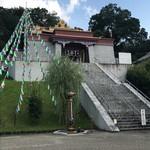 カフェ パルコル - 隣にはお寺があります