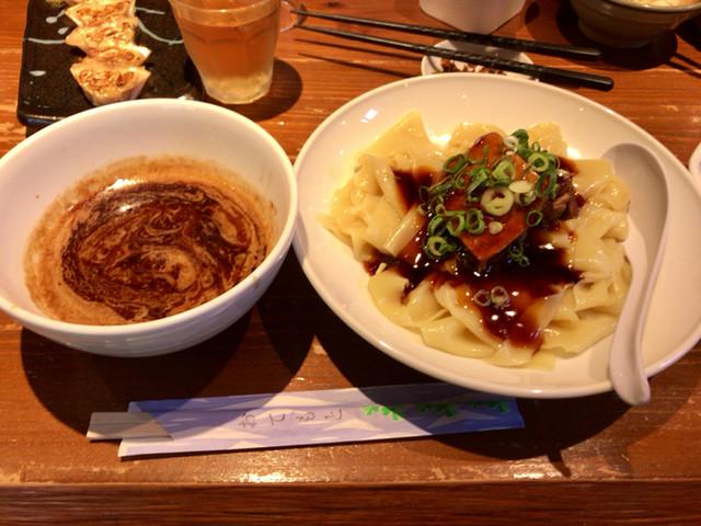 博多ラーメン 龍ノ髭 , 濃厚魚介と角煮の極太平打ちつけ麺