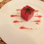 レストラン クレッセント - スペシャリテのトマトのコンプレッション。夏らしい爽やかさ。