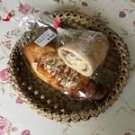 山田屋 - 生ハムチーズ150円、ウインナーオン160円です。