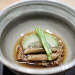 エッグ - 蒸したもち米とライ麦の小さなパン 野菜のコンソメ 小メロン
