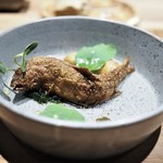 エッグ - 木曽川の鮎のフリット 淡水海苔 若鶏のコンソメスープ仕立て(この後にスープを)