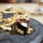 エッグ - 夏鹿の低温ロースト山椒風味 マデラソース