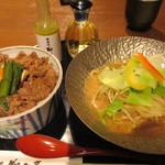 72137912 - 百年牛丼とごま冷麺のハーフ&ハーフ