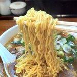 山桜桃 - 醤油ラーメン(縮れ麺)