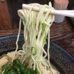 長田屋 - 中細ちょい縮れ麺