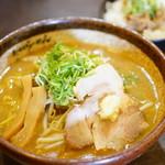 72146472 - お得!ランチセット 炙り味噌らーめん&鶏そぼろ丼 (¥980)