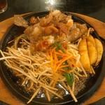 肉のはせ川 - 梅おろしステーキ200㌘1090円