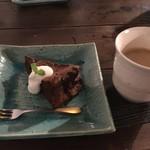 cafe & dining ぼたん - デザートのガトーショコラ