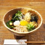 美糸 - 彩り十種の野菜で食べるぶっかけのおうどん(冷)
