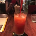 cafe La CUCINA - これ見るからにピンクグレープフルーツ!私が頼んだのはブラッドオレンジジュース!笑