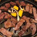 牛ぎゅう - 赤身は肉肉しいのも好きだし♪甘いのも好き\(^o^)/