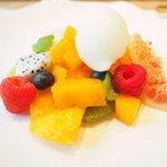 72153766 - ランチコース 6380円 のココナッツパンナコッタ、沖縄マンゴー、酢橘のソルベ