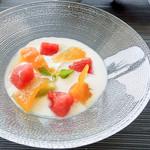 ウトコ オーベルジュ&スパ - 柚子のコンポートと季節のフルーツのヨーグルト