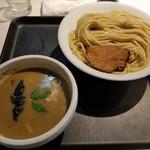 72156897 - 濃厚煮干しつけ麺(830円)+大盛り(100円