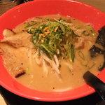 麺屋 山の途中 - 鶏豚骨(こってり)