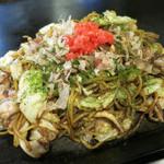 風月 - いか・ぶた・えび野菜焼きそば 940円