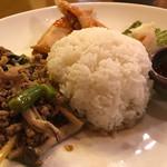 バンコクガーデン - 豚肉のバジル炒め