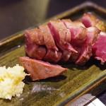 29 ロティ - 魚沼豚ハツたたき