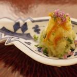 日本料理 晴山 - 先付:鱧子、加賀太きゅうりとオクラの和えもの