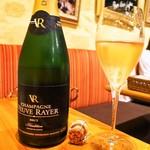シャンパン食堂 - ヴーヴ レイエ ブリュット