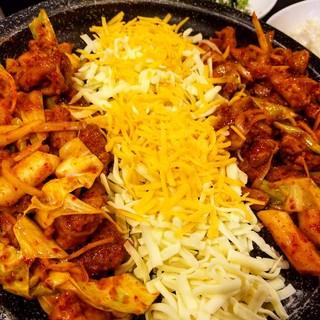 味で勝負!食材にこだわった名店で本格韓国料理