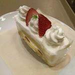 スティックスイーツファクトリー - イチゴのショートケーキ