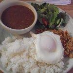 豚菜キッチン 絆 - エスニックセット(\980)味噌汁とアイス付