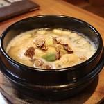 韓国家庭料理 済州 - 参鶏湯(サムゲタン)
