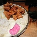 泡盛と串カツのお店 がきんち - ドヤ盛定食(ご飯大盛)