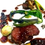チャイニーズ&フレンチ ハクタク - 料理写真:鹿フィレ肉のポアレ フルーツソース