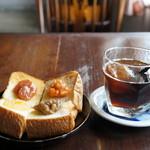 慈雨 - 季節の自家製ジャムトーストとアイスコーヒー(2017.8.28)