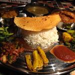 ヤタラ スパイス - 料理写真:ネパール定食[チキン]