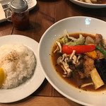 札幌スープカレー専門店 カンクン - ジューシーチキンレッグと野菜