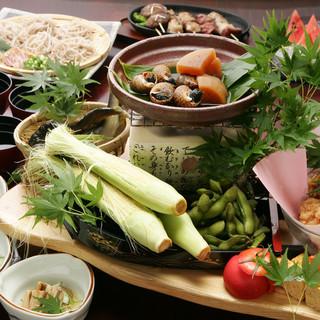 季節の移ろいを食で感じる宴会コースは3,500円でご提供