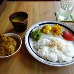 ジジコ - ダルバートセット(ネパールチキンカレー)
