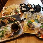 炉端 小次郎 - 秋!松茸と秋鮭の土瓶蒸し風ホイル焼きコース2500円